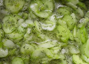 Gurkensalat (Scheibe) ohne Schale