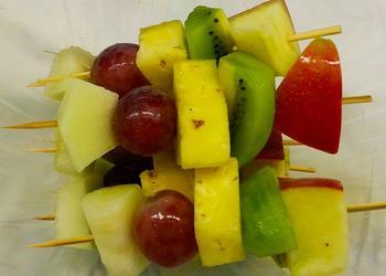 Obstspieß mit Kiwi
