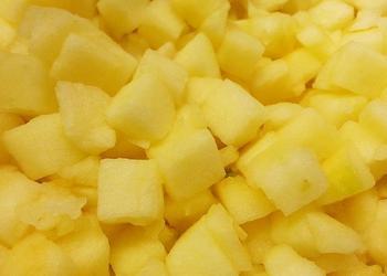 Apfelwürfel ohne Schale